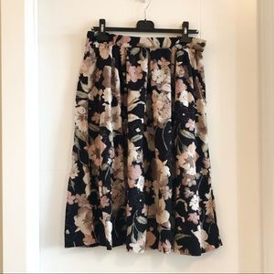Vintage floral flowy midi skirt